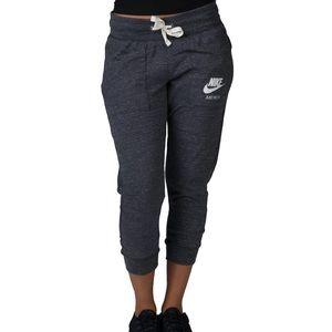 Nike Women's Gym Vintage Capri Pant